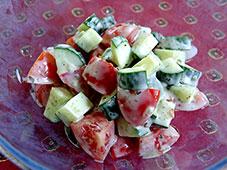 Komkommer-tomaatsalade