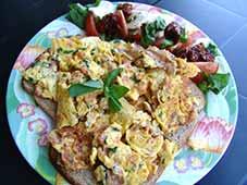 Omelet-met-garnaaltjes-en-ham