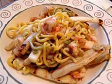 Pasta met garnalen en asperges