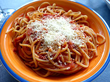 Spaghetti-pomarola